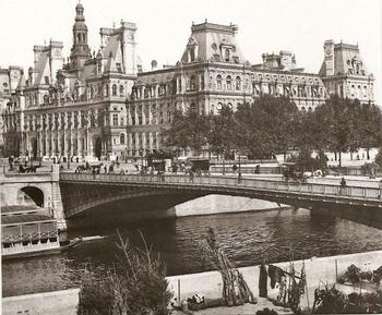 Hotel-de-Ville-Paris-640x528