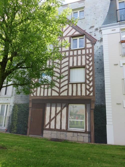 Les fresques de Bel-air : l'habitat à Chartres