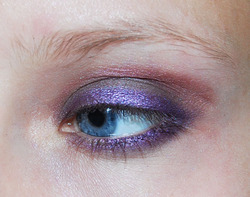 eye with blend brown