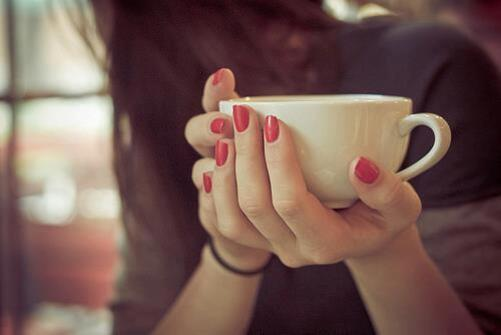 girl, vintage, red, tea, red nails, nails, coffee, cup