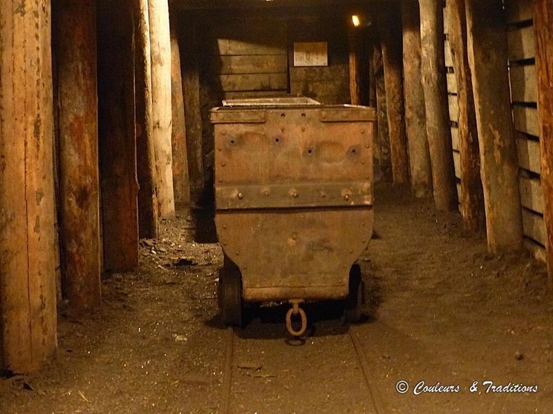 Descente dans la mine
