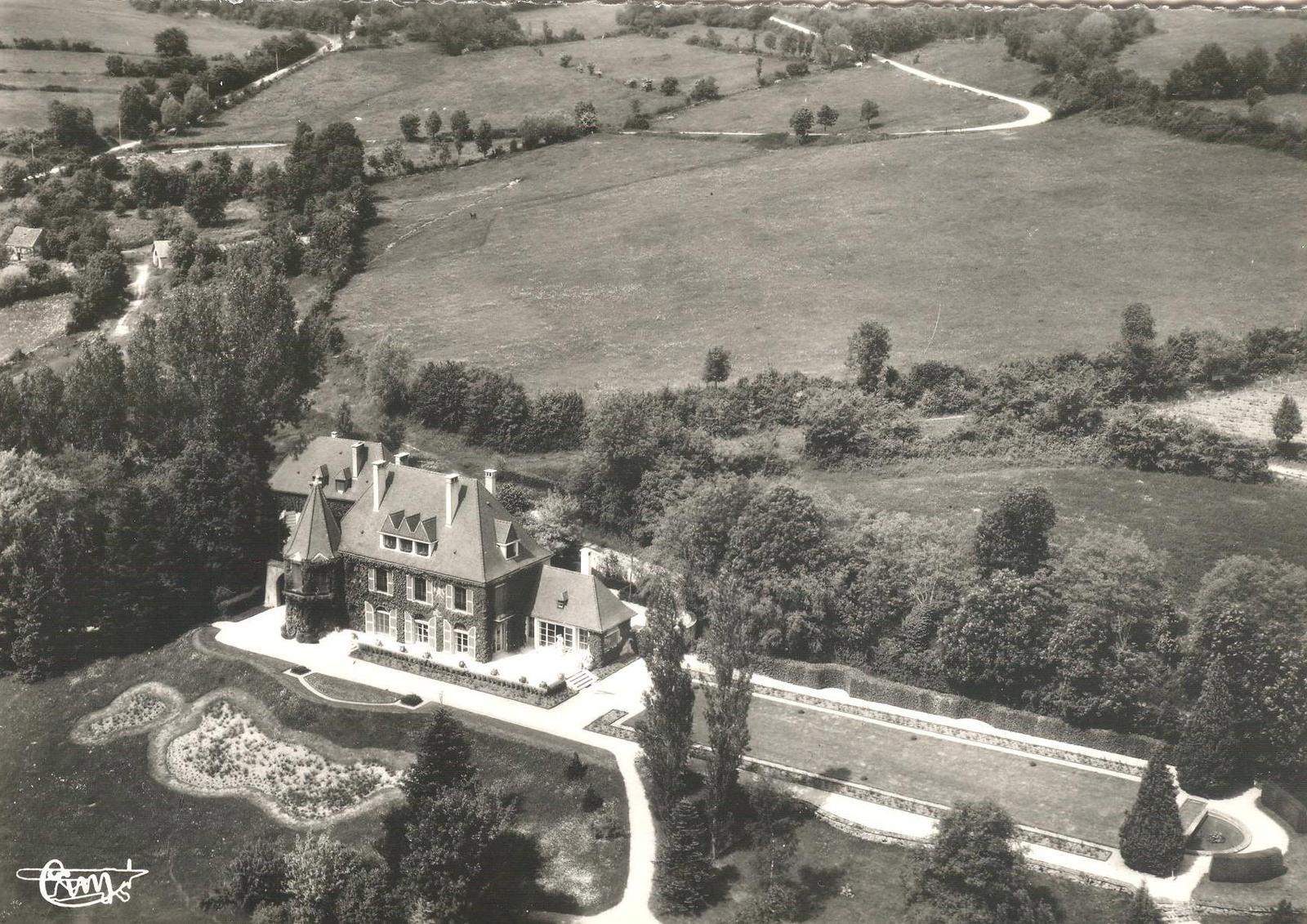 """Résultat de recherche d'images pour """"Bellenot-sous-Pouilly chateau"""""""