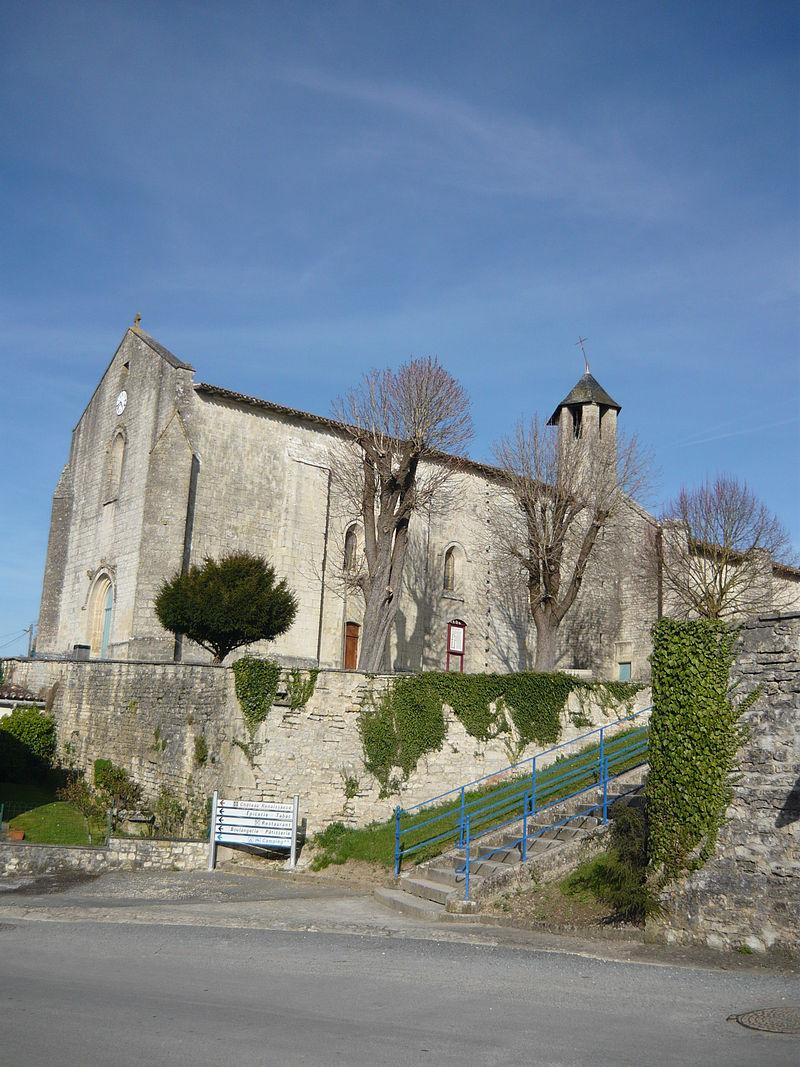 Façade ouest de l'église de Dampierreèsur-Boutonne.JPG