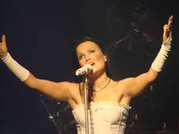 Tarja Turunen : superbe voix