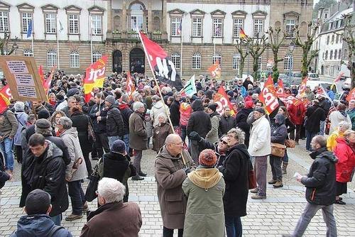 9 mars-Des milliers de personnes ont manifesté dans les villes du Finistère contre la loi Travail