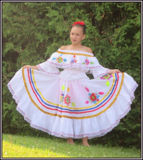 Charmante jeune colombienne.....