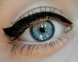 [Beauté] Bien appliquer son eye-line