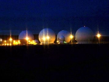 pine_gap_domes_ps.jpg