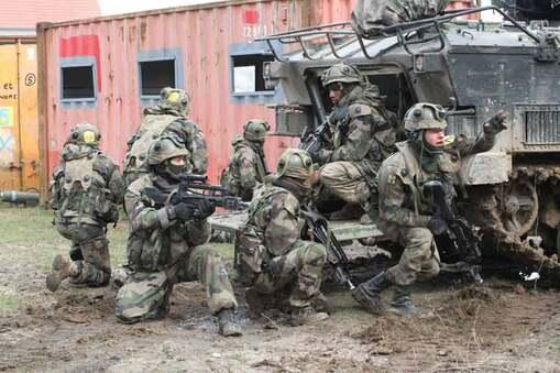 Exclusif : une section du 35 ème régiment d'infanterie arrive sur  Calais