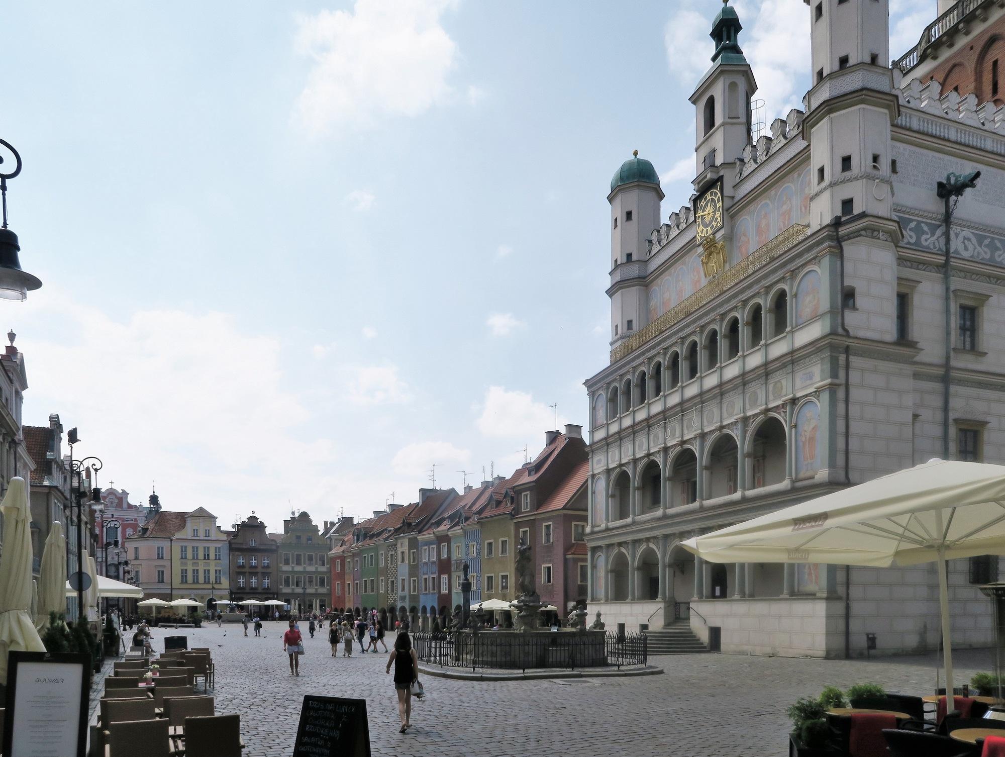 L'ancien hotel de ville et la place du marché : le Rynek