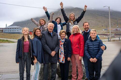 Quand le Roi de Norvège rend visite au Roi de l'Arctique
