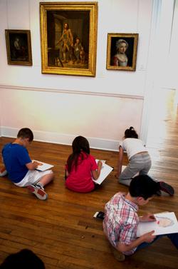 Galerie de portraits au musée Déchelette