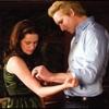 Carlisle soigne Bella...