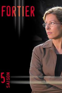 Fortier : Une psychologue clinicienne maladroite très intelligente cherche à trouver les criminels au péril de sa vie. Cependant, elle détient un passé lourd qu'elle préfère garder secret. À la suite de son passage à Washington, où elle travailla, elle fut embauchée au SAS (Service Anti-Sociopathes) où elle fait équipe avec les services policiers afin de les aider à élucider des crimes majeurs et neutraliser des menaces importantes pesant sur la ville de Montréal principalement. ... ----- ...  Langue : VFQ Diffusion d'origine : 2000-2004 Nationalité : Canada Québec Genre : Policier Cast : Sophie Lorain, Pierre Lebeau, Carl Marotte, Gilbert Sicotte