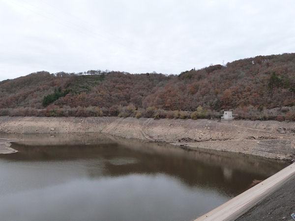 Barrage des Fades à sec