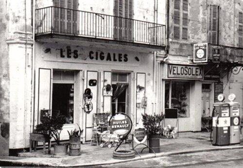 01 - L'automobile et les stations service, En France