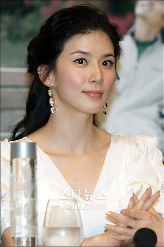 Fiche Artiste - LEE BO YOUNG