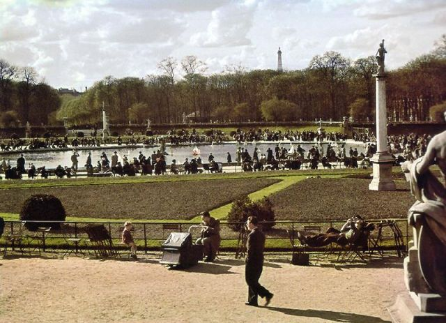 Andre Zucca: Nazi Propaganda Photos - Paris during WW229