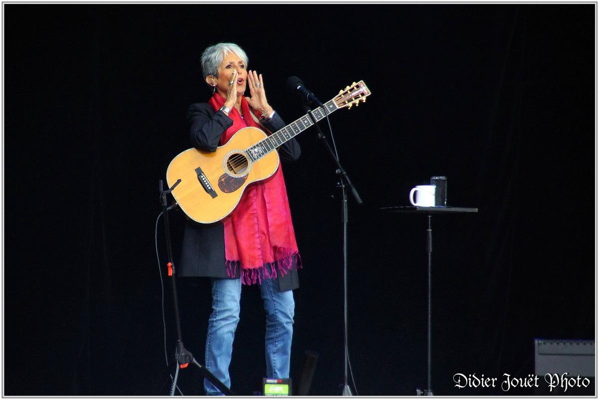Joan Baez (1) - Festival des Vieilles Charrues 2015