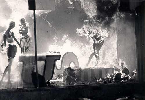 Belgique : Le 22 mai 1967, la Belgique connaissait sa plus grande catastrophe.... L'incendie de l'Innovation