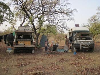 Burkina Bivouac entre Fada N'Gourma et la frontière du Bénin