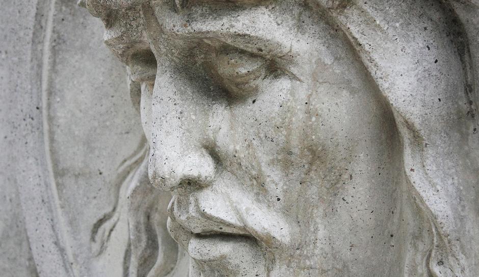 """Résultat de recherche d'images pour """"Statue Jésus sans croix métal"""""""