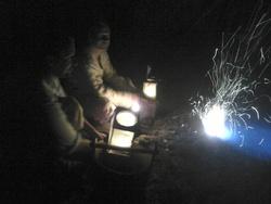 Forge au sol Donaïg, de nuit,  été 2014