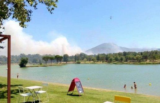 Un incendie s'est déclaré ce lundi entre Le Boulou, Les Cluses et Saint-Jean Pla de Corts.