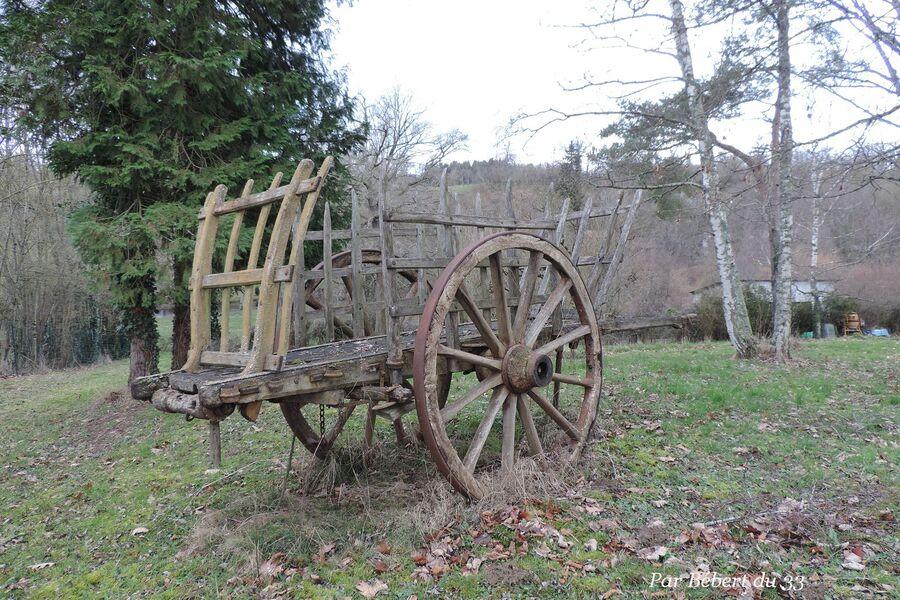 j'aime cette vieille charrette à Bellac dept 87