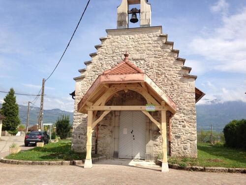 La chapelle de Chemillieu défigurée