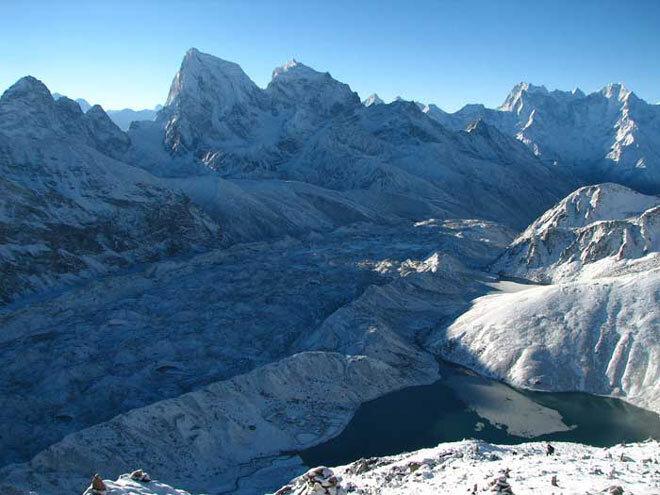 Himalaya. Glacier Ngozumpa