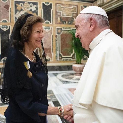 La reine Silvia reçue par le pape le 14 novembre