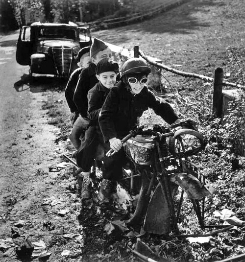 Les motos de Robert Capa (1913-1954)