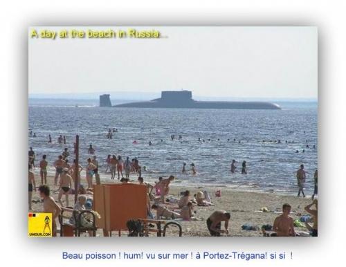 sous-marin russe ! trop près des côtes beach
