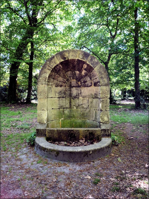 Photo de la fontaine du parc de Camponac à Pessac