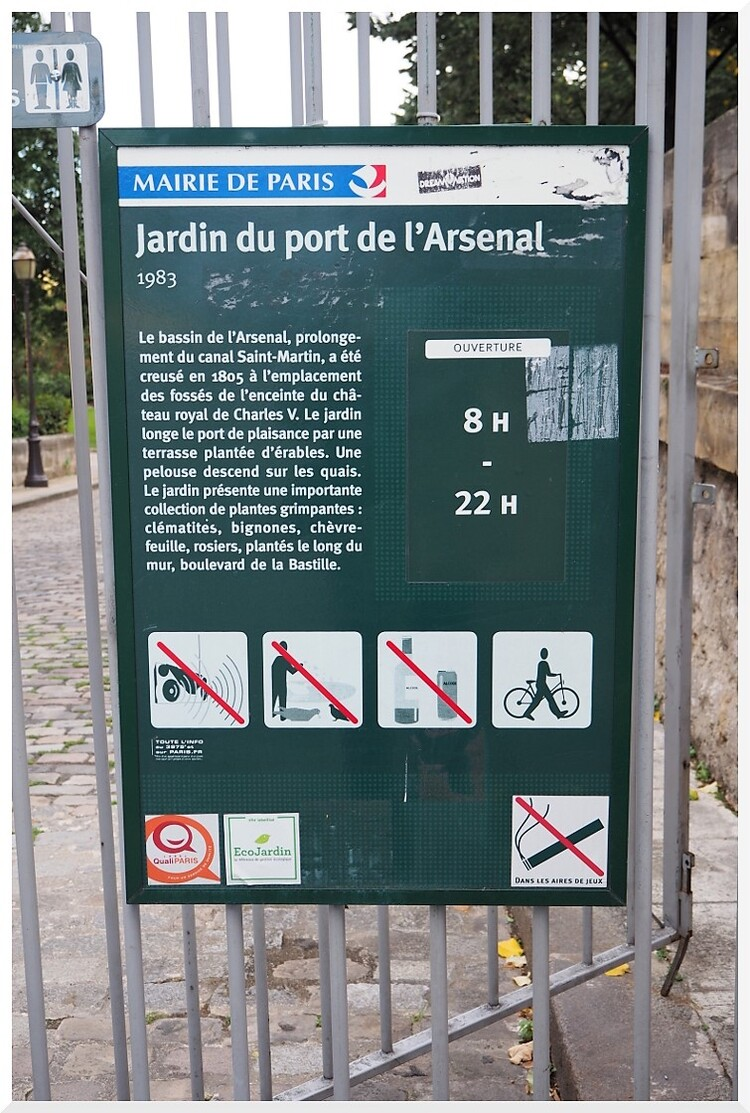 Port de l'Arsenal de Paris.