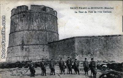 cartes-postales-photos-La-Tour-du-Fort-de-l-Ile-Tatihou-ST-
