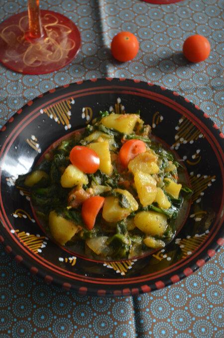 Aloo Palak { Indian Recipe}