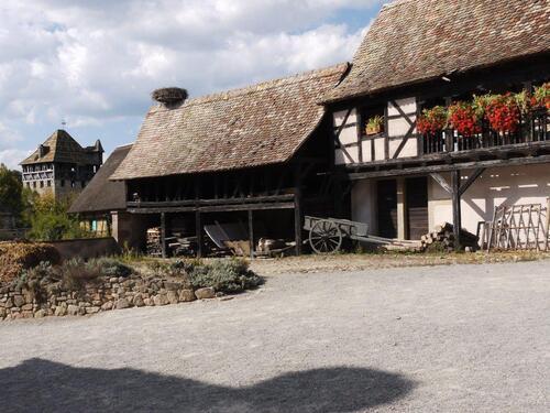 Une cour de ferme aisée typique du Kochersberg