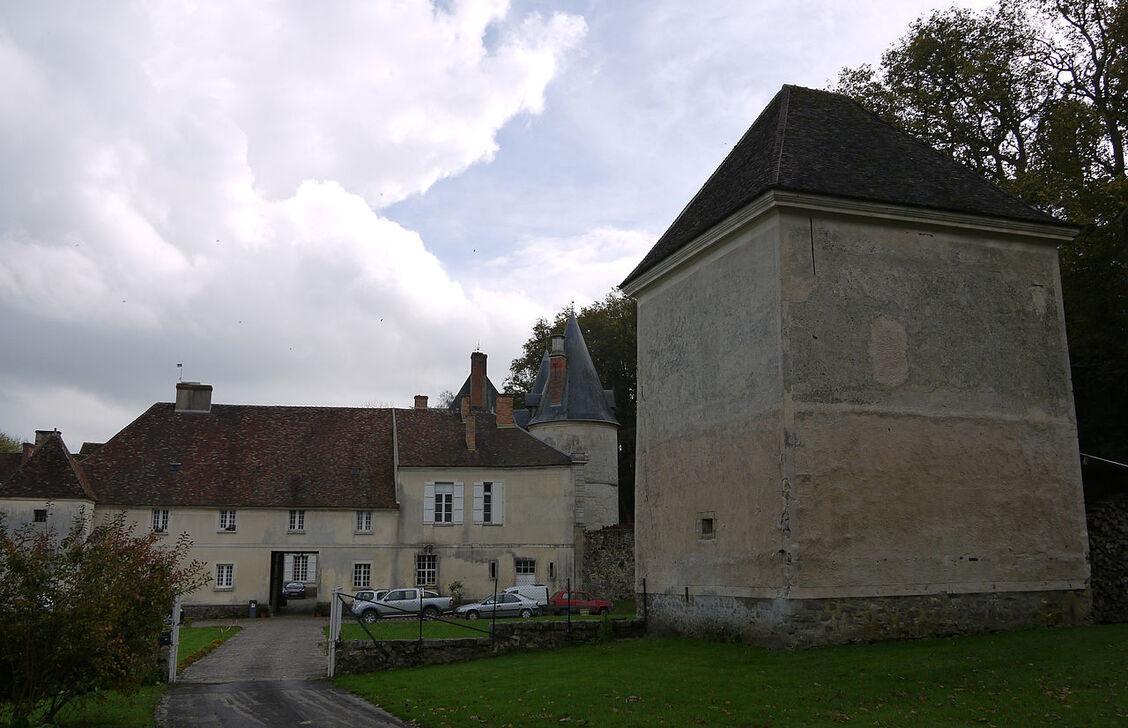 Chateau de marigny en orxois (2).JPG