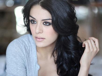 * Sofia Essaïdi