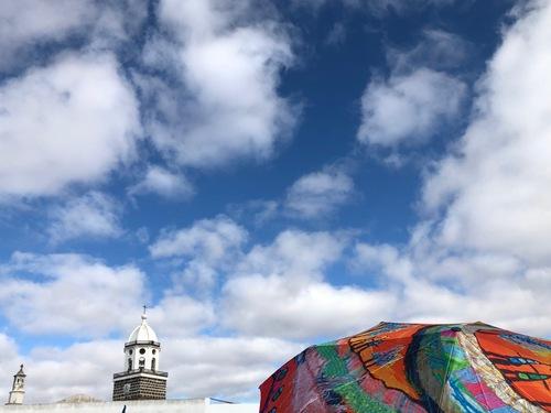 Ciel et ombrelles