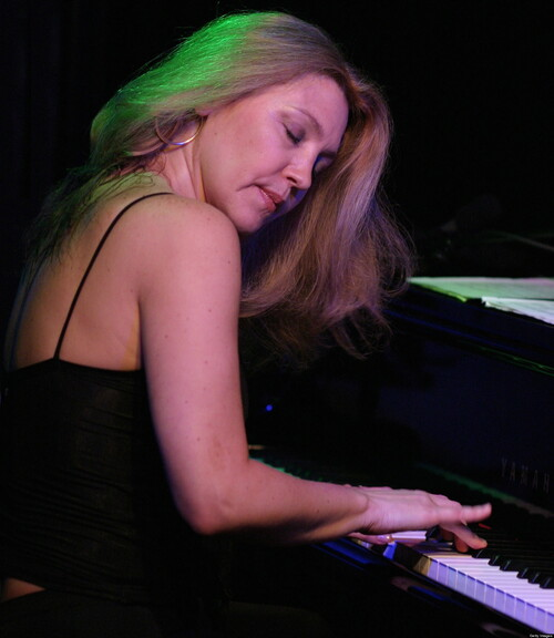 ELIANE ELIAS - Moving Me On.  Smooth Jazz