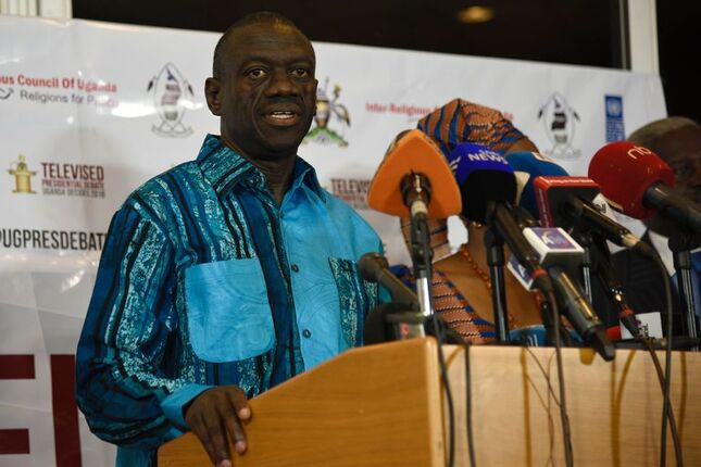 L'opposant ougandais Kizza Besigye a été mis en examen pour trahison, le 13mai.