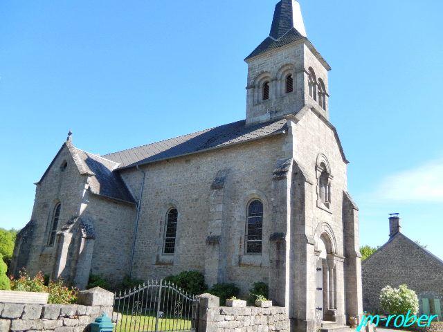 Limousin: Sous-Parsat un petit village de Creuse et sa petite église hors du temps