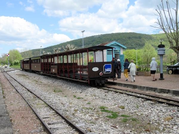 Le petit train à vapeur de la vallée de l'Ouche, découvert lors du voyage de la FNATH