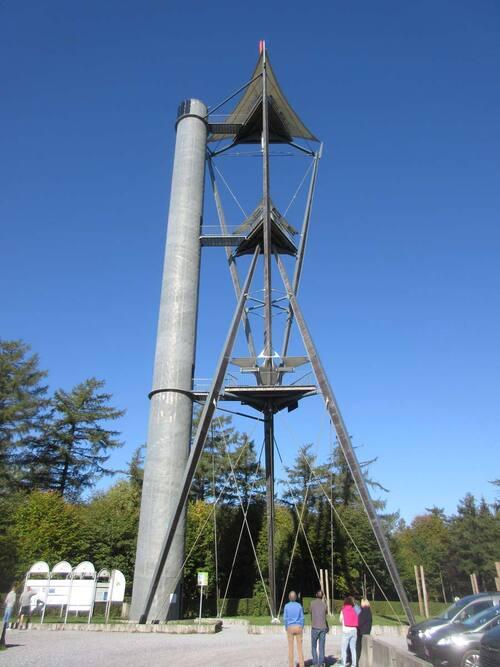 La Tour du Millénaire près de Gedinne