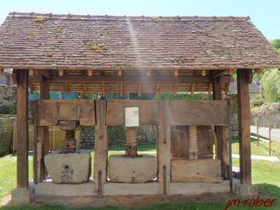 Limousin: Moutier-d'Ahun ou «Monastére d'Ahun» en Creuse