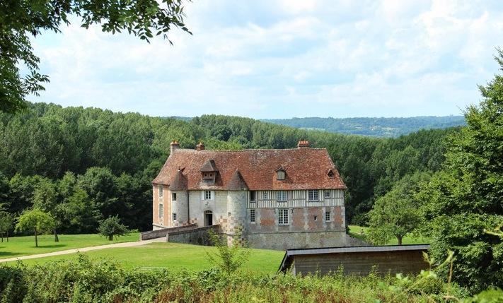 LES REMPARTS DE NOROLLES (Calvados)