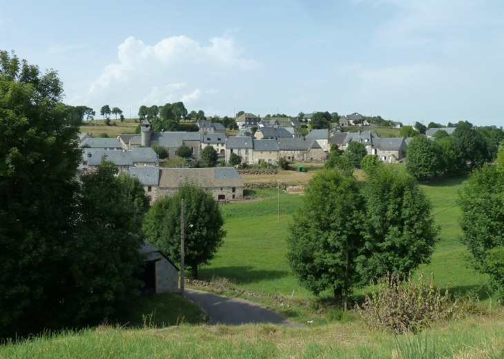 Vue sur le village - Paulhenc